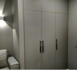 Шкаф корпусной встроенный в нишу