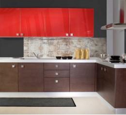Угловая кухня с навесными модулями красного цвета