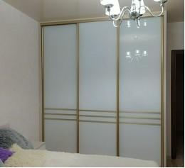 Шкаф в спальню, сосна алланд полярная
